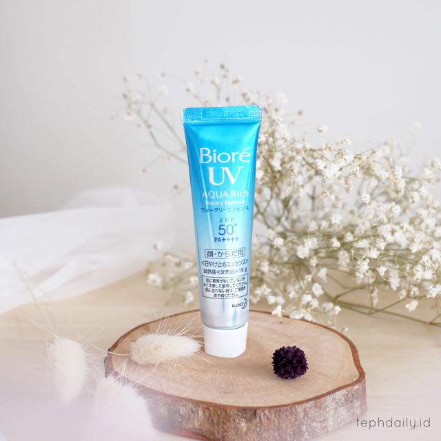 NEW ! – Biore UV AQUA Rich Water Essence