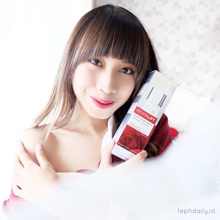 Get a Crystal Skin with L'OREAL Paris Revitalift Crystal Micro-Essence