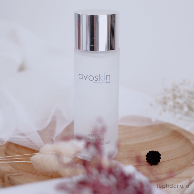 Trying THE MOST WANTED Miracle Water ! [Avoskin Perfect Hydrating Essence]