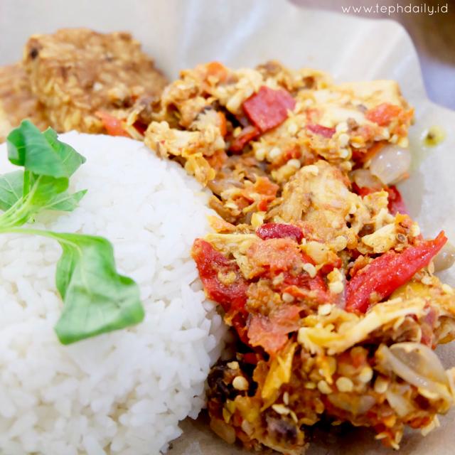 Craving for Hot Sensation at Ayam Gepruk Surabaya